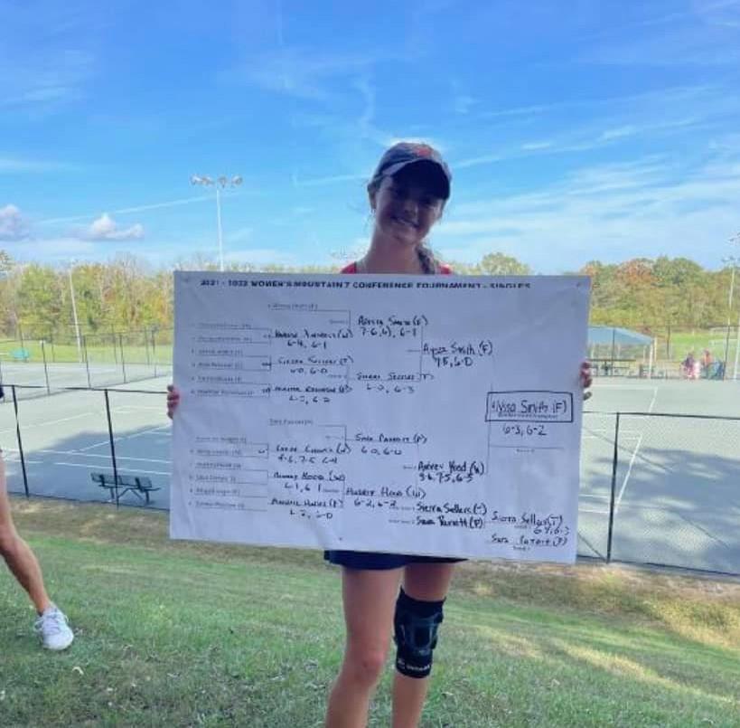 Alyssa Smith Locks in the Mountain 7 Singles