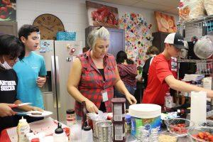 Classroom Insider: McClures Class Decorates Brownies